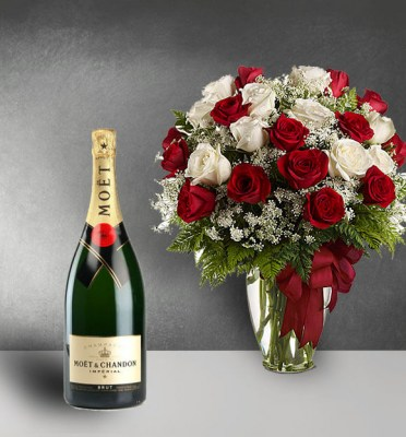 Champagne-and-Red-Roses-Loves-Divine-1