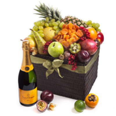 cado1165_seasonal-deluxe-exotic-fruit-hamper-veuve-clicquot